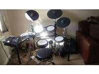 Yamaha dtx 750 drum kit