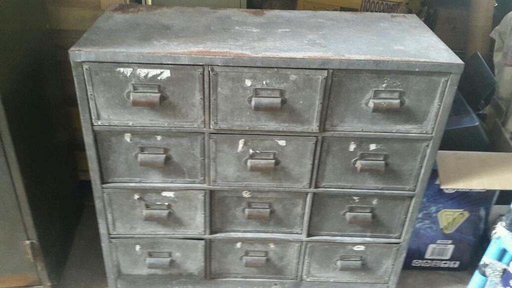 Industrial Lockers Drawers Job Lot 163 250 In Carlton