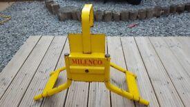 Milenco wheelclamp (suitable for caravans)