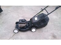 Petrol lawn mower 17 inch cut- very good condition