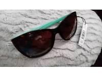 Brand new Guess sunglasses