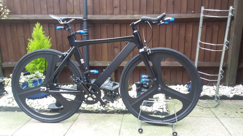 mens single speed tron track/racing bikein Southampton, HampshireGumtree - mens single speed tron track/racing bike brand new never used ..20 inch frame flipflop hub, fixed or freewheel light flat black frame 700 c NO LOGO razor mag wheels sold as is, where is, how is collection eastleigh