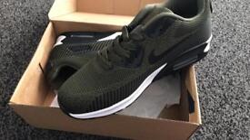 Trainers sizes 8-11