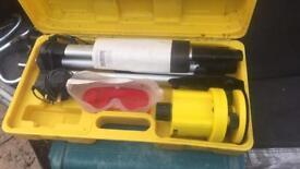 Manual level rotary laser level