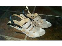 Gorgeous size 6 GEOX sandals