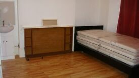 Turnpike Lane room to rent at £550 per month