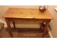 Hallway side table with 2 drawers