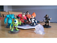 Disney Infinity starter set for WII (Boxed) + 3 extra characters