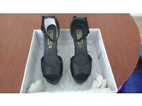 2 pairs of Ladies shoes