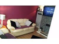 3+2 cream leather sofa. Perfect condition!!