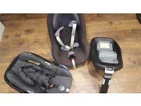 Maxi Cosi set ( Family fix + 2 car seats ) REDUCED PRICE