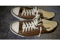 Converse All-Star Low Top size 8.5 chocolate brown