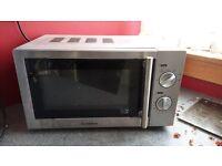 Cuisina Microwave in good shape