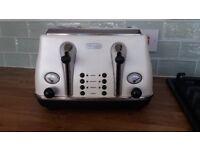De'Longhi Icona Toaster - Pearl White