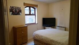 2 Bed furnished flat to rent in city centre