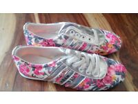 new ladies adidas summer flower trainers size 3 ideal for summer