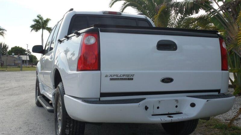 Image 4 Voiture Américaine d'occasion Ford Explorer Sport Trac 2004