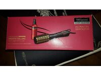 TRESemme Expert Selection Keratin Smooth Volume Hot Air Styler