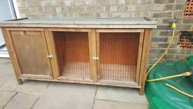 SOLD Small rabbit hutch (small rabbit or guinea pig)