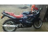 Suzuki gsx 600f motorbike