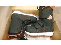 Salomon Launch snowboard boots jnr 11