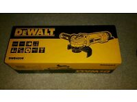 New dewalt dwe 4206 angle grinder 115mm -110v