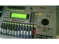 Yamaha AW16G 16 Track Portable Digital Multitrack Recorder Audio Workstation CD burner