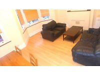 FANTASTIC SPLIT LEVEL 3 BEDROOM MAISONETTE AVAILABLE TO RENT IN BRIXTON CLOSE TO ALL LOCAL AMENITIES
