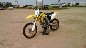 2008 Suzuki RMZ 250 Dirt Bike, Very Low Hours, Excellent Shape,