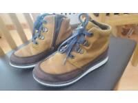 Boys Clarks Nubuck leather Goretex boots size 11G