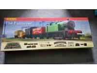 Hornby The Easterner 00 Gauge Train Set