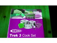 BRAND NEW boxed GELERT TREK 3 Cook Set