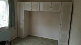 Bedroom wardrobe set (wall mounted, good condition)