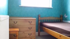 Single room near New Malden