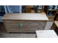 Solid oak Chest of 6 draws