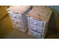 2 X HAND MADE BUCKINGHAM 3 DRAWER BEDSIDE CABINET SOLID PINE