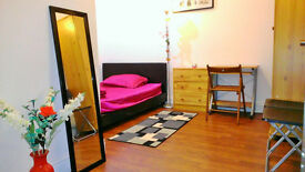 Superb Big Double room only £30 per night, ready now