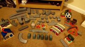 Thomas Tank Take & Play Track, Buildings, bridges & more