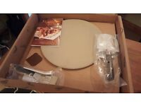 Pamper chef pizza stone gift set