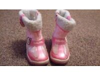 Girls snow boots size 6