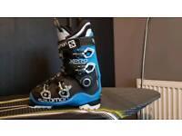 Salmon x pro skibootsnear brand new size 25.5