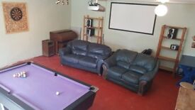 4 Bedroom House with GAMES ROOM, CLEANER, BROADBAND AND TUMBLE-DRYER