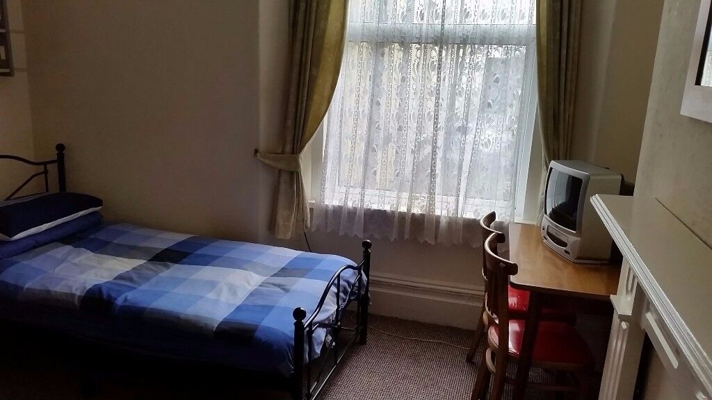Large Single Self Contained Room, Stoke