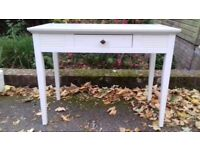 Beautiful White Scandinavian Study Desk 'Isku'