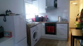 AMAZING 1 BED FLAT AVAILABLE IN VAUXHALL! WASHER/DRYER-WATER RATES - 5MIN WALK FROM STATION