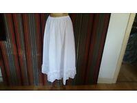 URBAN RENEWAL Vintage Peasant Maxi Skirt ( BNWT ). Size :;S / M