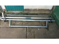Rhino roof bars/roof rack with rolling bar FORD