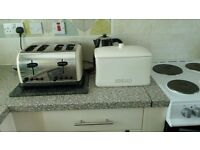 Electric cooker montpellier white and cream Pot bread bin and cream crome 4 Slice Toaster