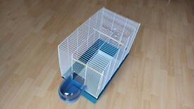 Bird cage in very good condition. Collect from Beeston area. Thanks.