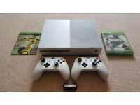 Xbox One S (500GB) boxed with 2 Wireless Controllers, 2 games, Play & Charge Kit & Headset